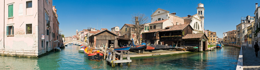 ... Venice Apartments, Dorsoduro Area ...